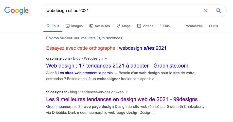 Capture d'écran d'une requête mal orthographiée tapée dans le moteur de recherche Google.